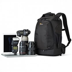 Canon EF-S 10-22mm...